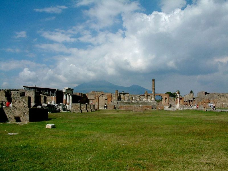Pompeii Is Home to Multiple Undetonated World War II Bombs | Smart