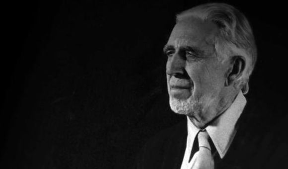 Preview thumbnail for video'Clyfford Still: The Man in a Long Black Coat