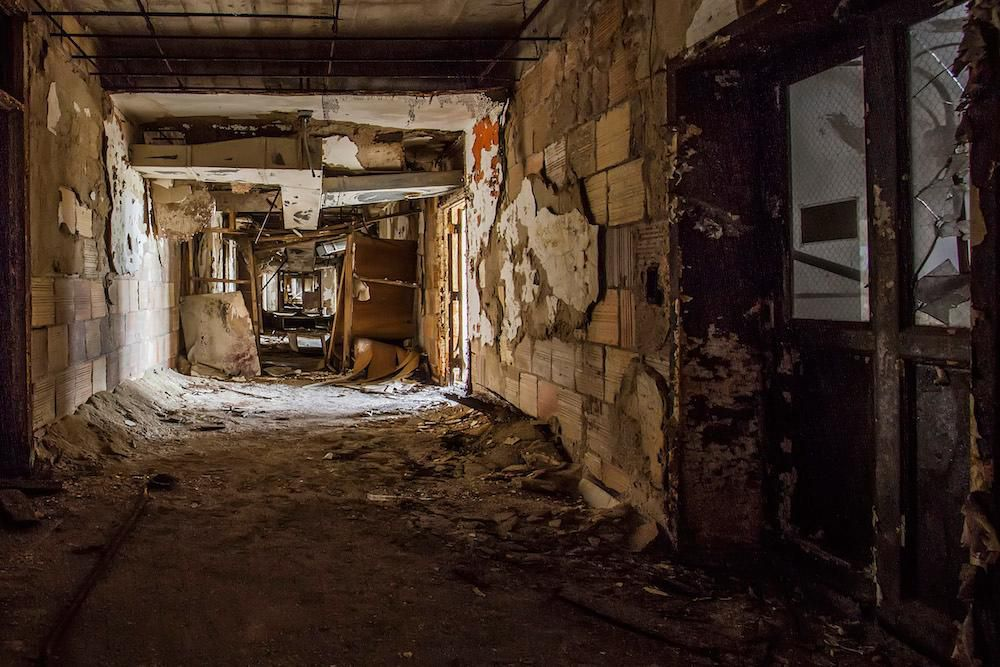These Photographers Venture Into Derelict Buildings in Texas