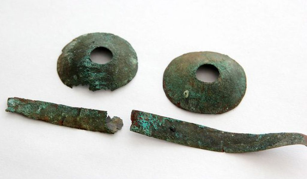 One of the artifacts found in the second grave resembles a pair of spectacles