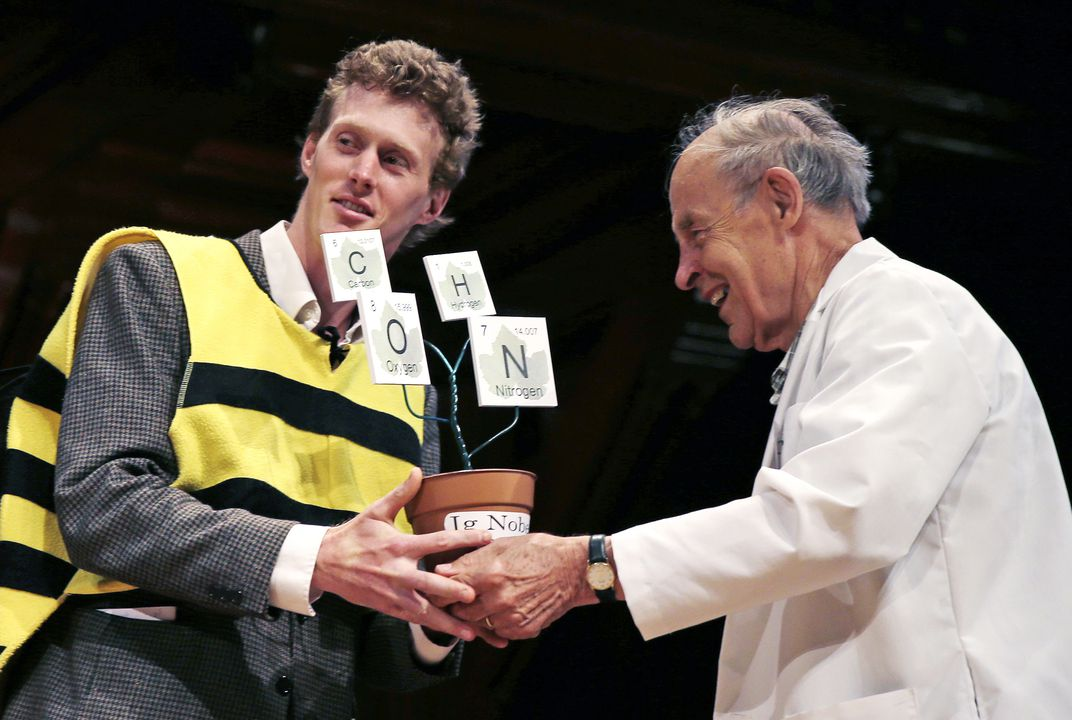 Bee stings, research that makes you go 'huh?' win Ig Nobels Awards