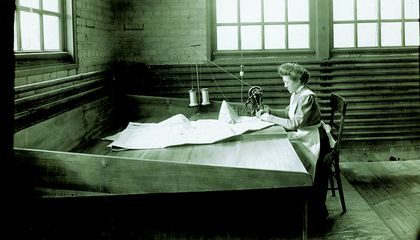 How Ida Holdgreve's Stitches Helped the Wright Brothers Get Off the Ground