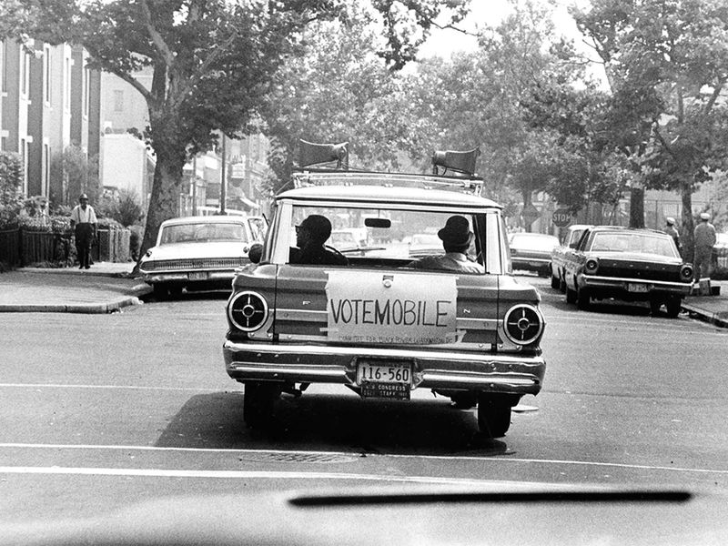 VoteMobile1967WEB.jpg