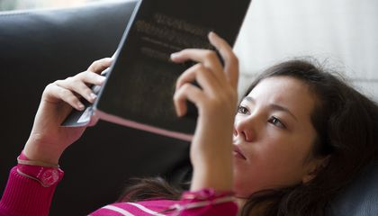 Kids And Young Adults Don't Read Books for Fun — They've Got Smartphones