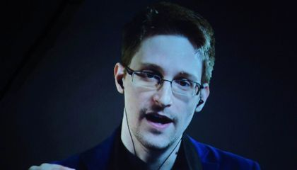Edward Snowden Thinks Alien Transmissions Might Be Hidden by Encryption