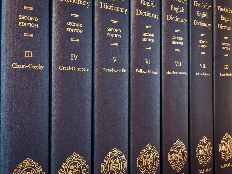 how to set a new key in dictionary