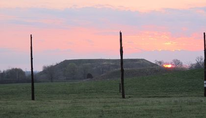 White Settlers Buried the Truth About the Midwest's Mysterious Mound Cities