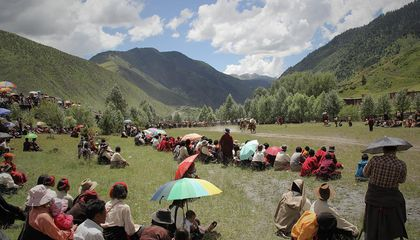 Check Out These Stunning Photographs of a Tibetan Horseback Sport
