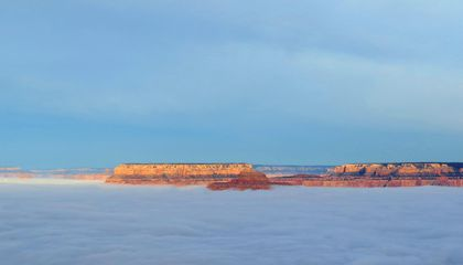 A Sea of Fog Completely Filled the Grand Canyon