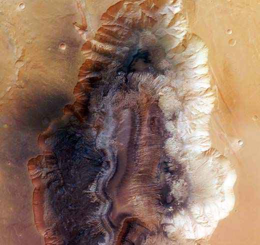 Mars Express captured this image of Hebes Chasma