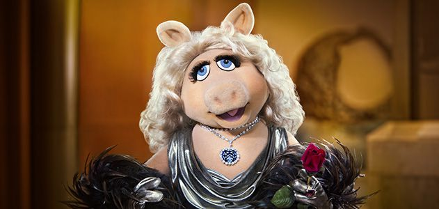 around-the-mall-muppets-miss-piggy-hope-diamond-631.jpg