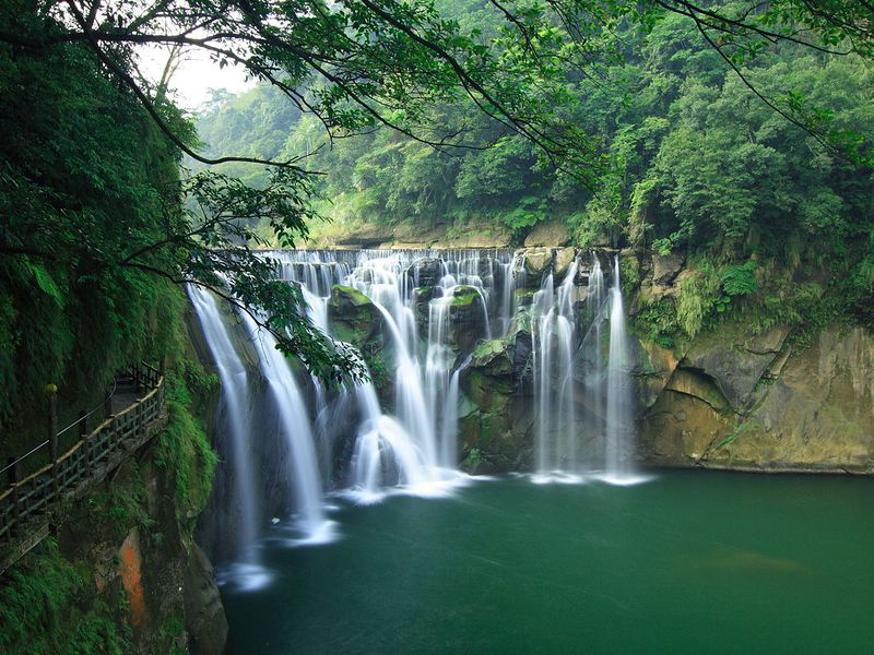 seven gorgeous waterfalls to chase in taiwan travel smithsonian