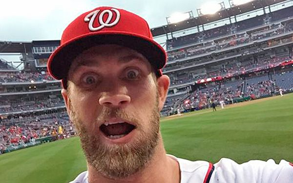 Baseball star snaps selfie with fans phone