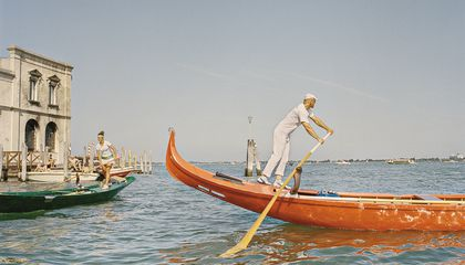 How to Row Like a Venetian