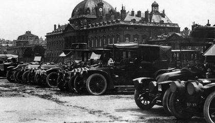 A Fleet of Taxis Did Not Really Save Paris From the Germans During World War I