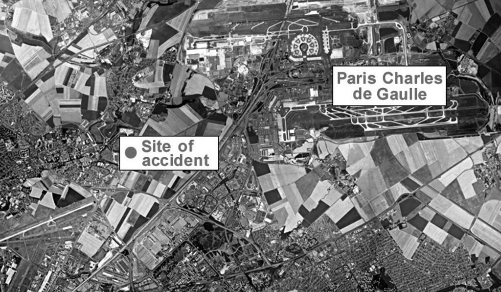 Flight 4590 used Charles de Gaulle's east-west runway 26R for takeoff. To the southwest of the airport lie the A1 Autoroute and the crash site: the Hotelissimo in Gonesse.
