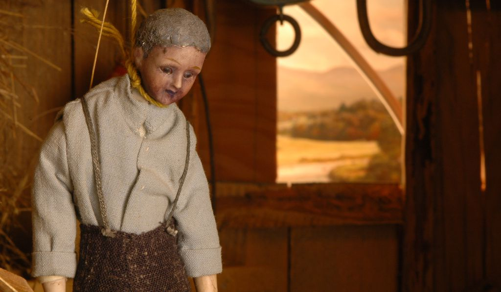 Indulge your morbid curiosity and peruse the crime scene dioramas of Frances Glessner Lee at the Renwick this fall.