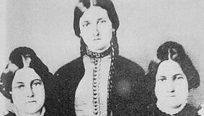 """""""A Very Common Delusion"""": Spiritualism and the Fox Sisters"""
