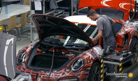 Preview thumbnail for video'Here's How a Turbo-Charged Porsche 911 Engine is Built