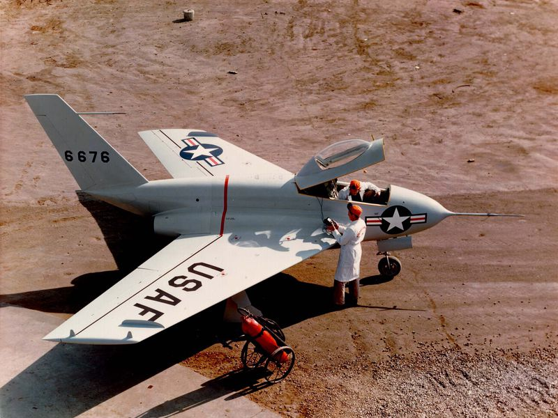 14B_AM14_Northrop X-4_LIVE.jpg
