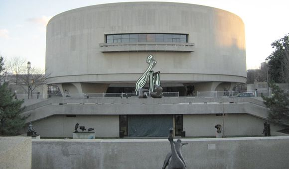 Preview thumbnail for video'A Multimedia Spectacle at the Hirshhorn