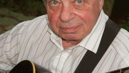 Coco Schumann, the Holocaust Survivor who Played Jazz at Auschwitz, Dies at 93