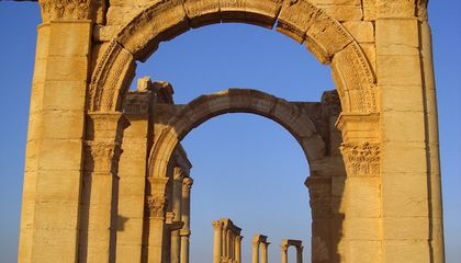 Looters Are Selling Artifacts to Fund War in Syria
