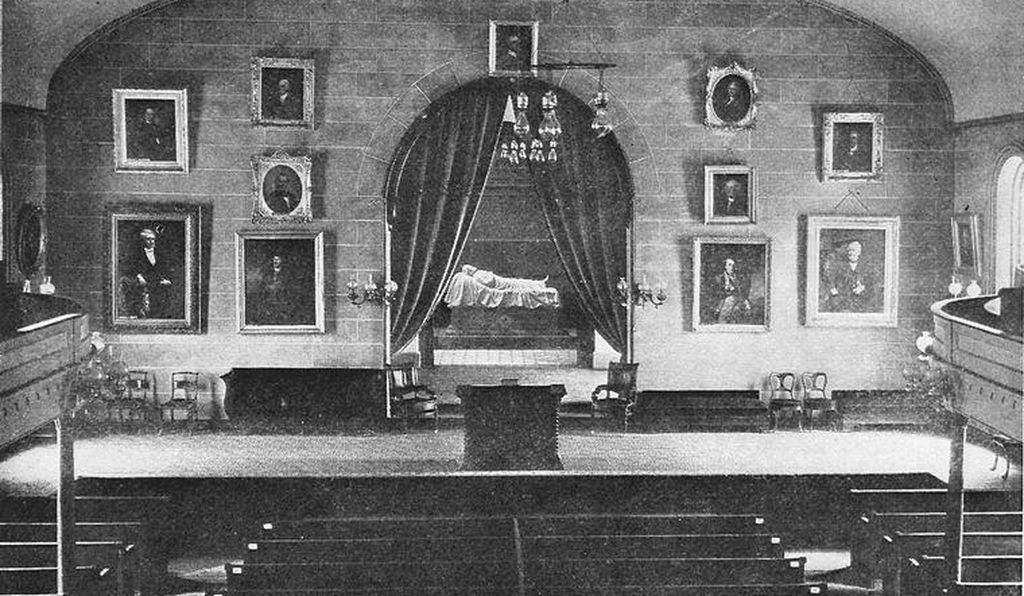 Valentine also designed a memorial housed in the Lee Chapel at Washington and Lee University in Lexington, Virginia.