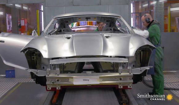 Preview thumbnail for video'Why Jaguar Uses Aerospace Aluminum to Build Its Cars