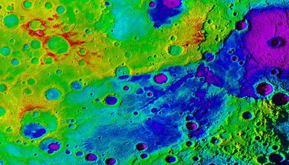 """Mercury's Newly-Discovered """"Great Valley"""" Puts Earth's Grand Canyon to Shame"""