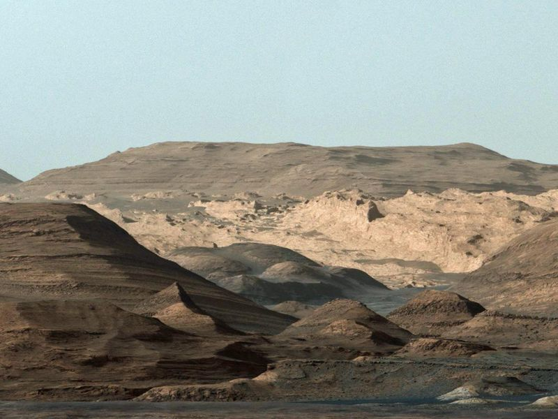 curiosity-mount-sharp-foothills.jpg