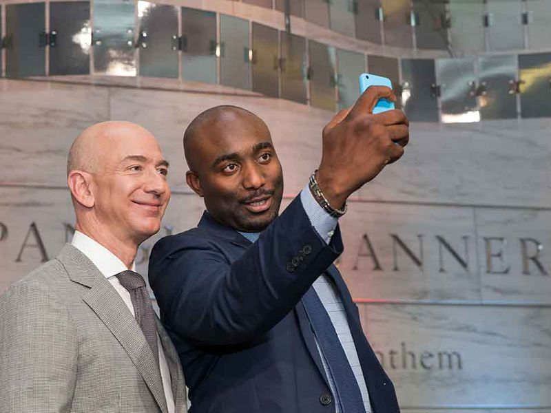 Amazon S Jeff Bezos Honored At Citizenship Ceremony At The