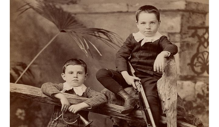 Alfred and Walter Pach as young boys, ca. 1889 (detail) / Pach Brothers, photographer. Walter Pach papers, 1857-1980, Archives of American Art, Smithsonian Institution.