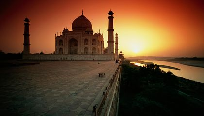 The Taj Mahal Gardens Have a Special Relationship to the Solstice