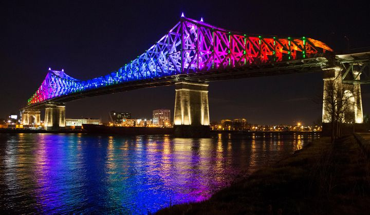 This Bridge Transforms Data on Weather, Traffic and Twitter Rants into a Beautiful Light Display