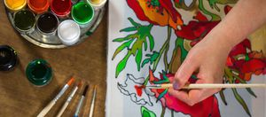 Painting lessons with a professional artist image
