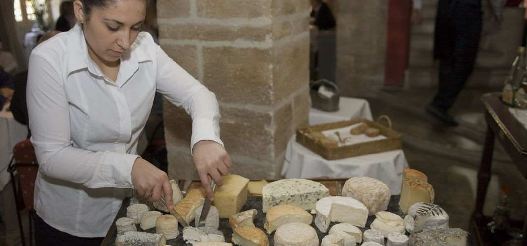 Cheese tasting in Provence. Credit: Atout France / Michel Angot