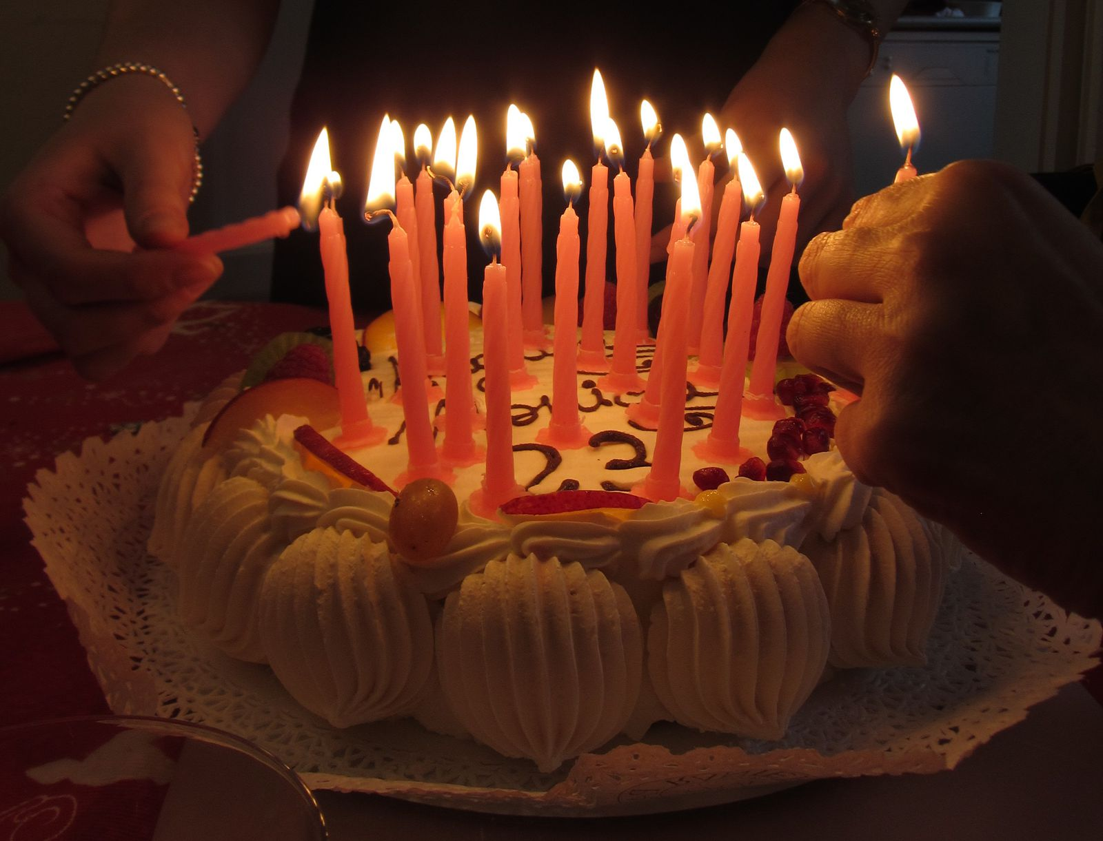 Blowing Out Birthday Candles Makes The Cake Taste Better Smart News Smithsonian Magazine