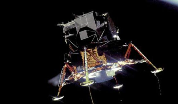 Preview thumbnail for video'To the Moon and Back: Apollo 11 Celebrates Its 40th Anniversary