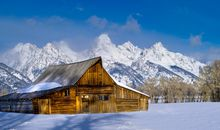 Winter in Yellowstone and Grand Tetons: A Tailor-Made Journey