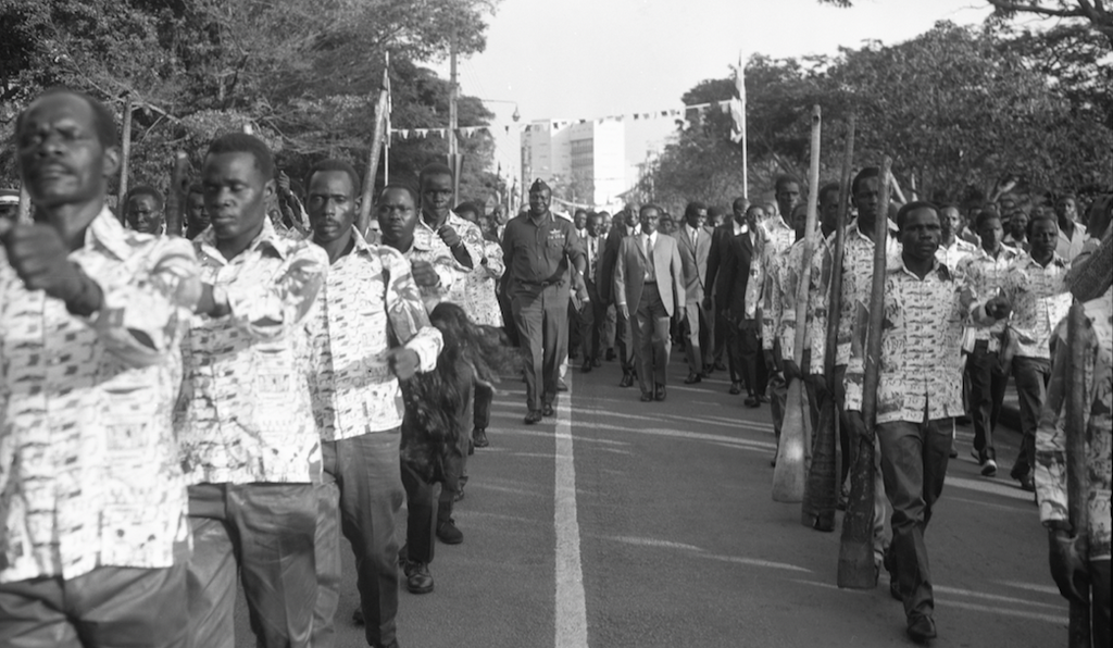 President Amin christens Queens Road as Lumumba Avenue, 18 January 1973