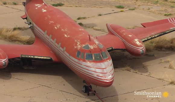 Preview thumbnail for video'Roswell's Bizarre Aircraft Boneyard