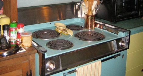 Lisa's vintage stove is a little too vintage.