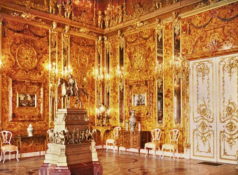 A Brief History of the Amber Room | History | Smithsonian