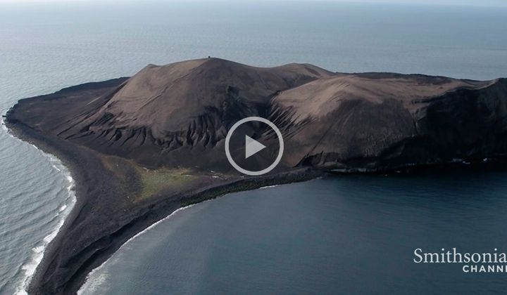 This Icelandic Volcano Recreates Early Conditions on Earth