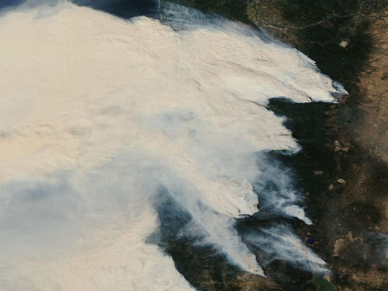 Satellite image shows thick smoke over Oregon and Washington in September
