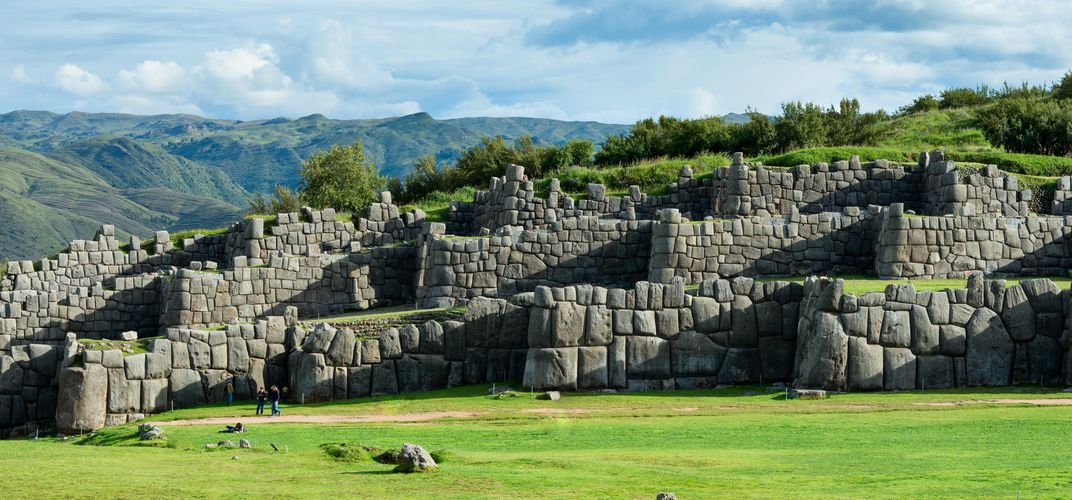 The impressive stone walls of Sacsayhuaman