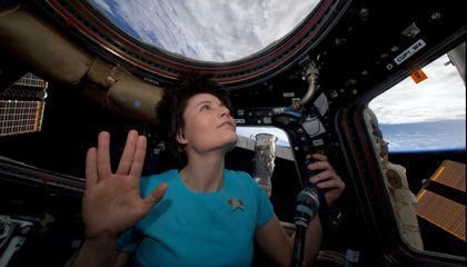 Even Cosmonauts Liked the Vulcan Greeting