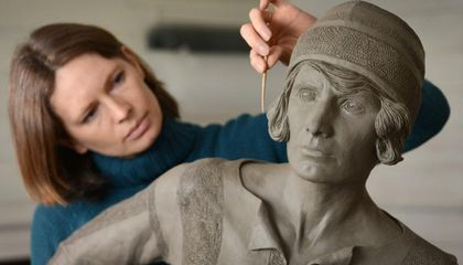 Lily Parr, a Pioneering English Footballer, Scores Bronze Monument