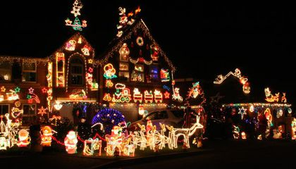 Show Us the Holiday Decorations in Your Neighborhood